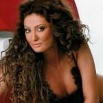 Claudia Pavel pozeaza pentru FHM
