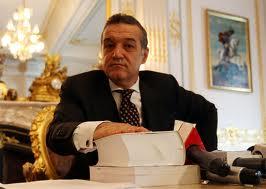 Gigi Becali isi face partid, sa rezolve situatia din Romania