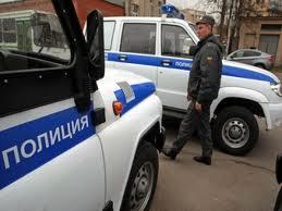 Un rus beat a reusit sa fuga cu masina de politie