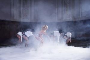 "Xonia lanseaza videoclipul piesei ""Vino Inapoi""!"