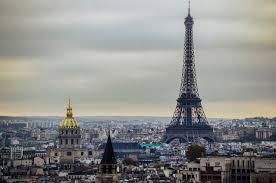 TEROARE IN PARIS, PESTE 120 de MORTI