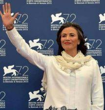 O actrita de Hollywood vine in Romania!